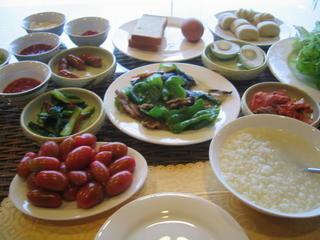ホテルの朝食.JPG