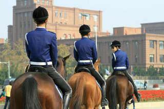 大連 女性騎馬警察隊�B.jpg