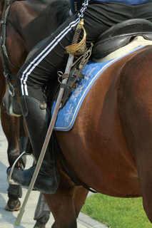 女性騎馬警察隊・軍刀_2_1.jpg
